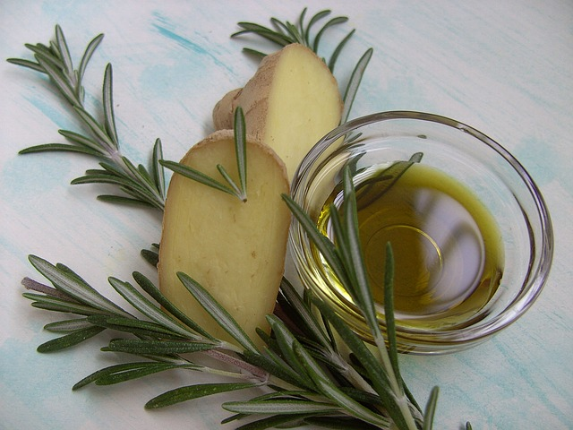 amazing health and skin benefits of rosemary oil
